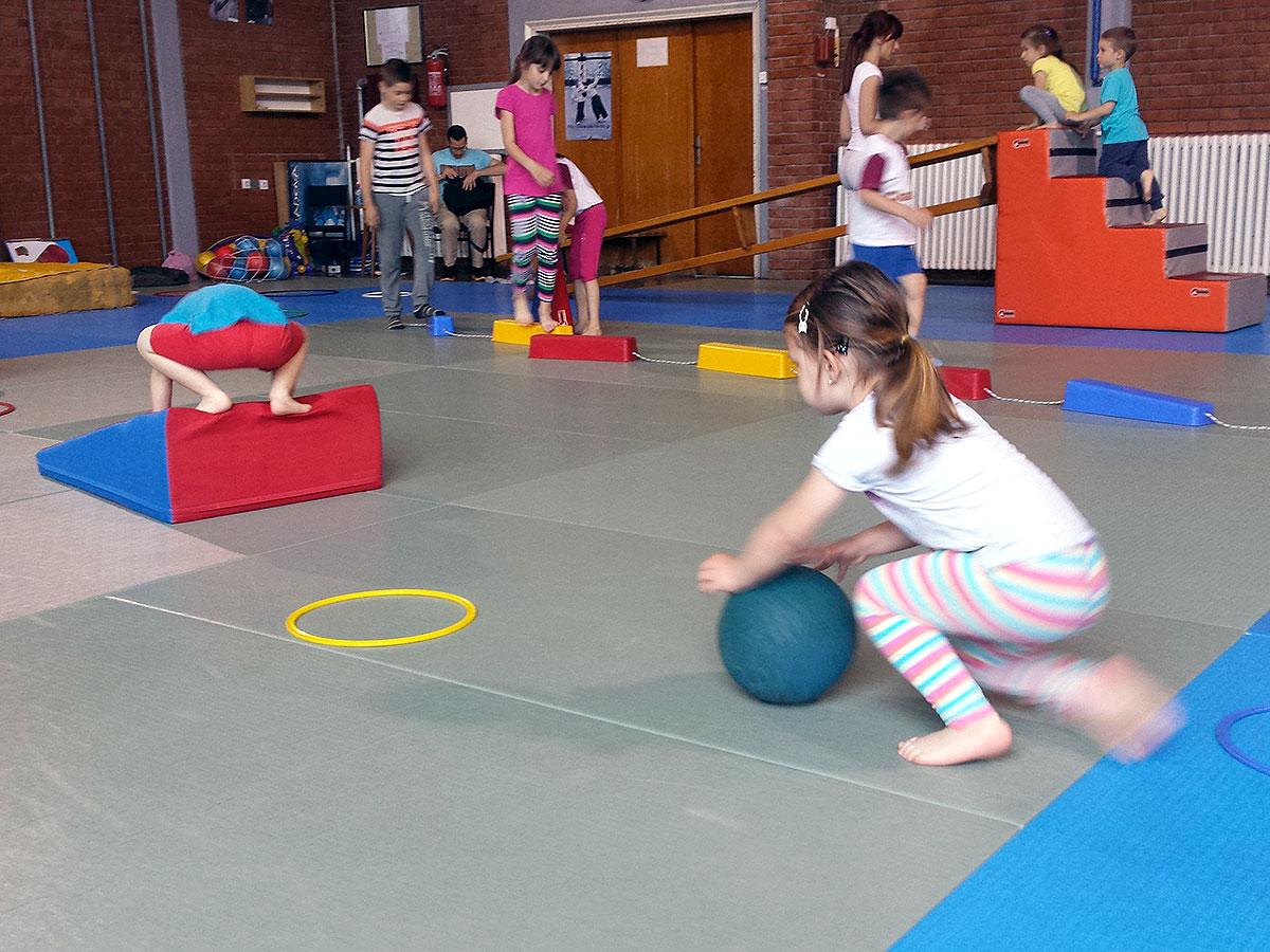 Korektivno-razvojna gimnastika