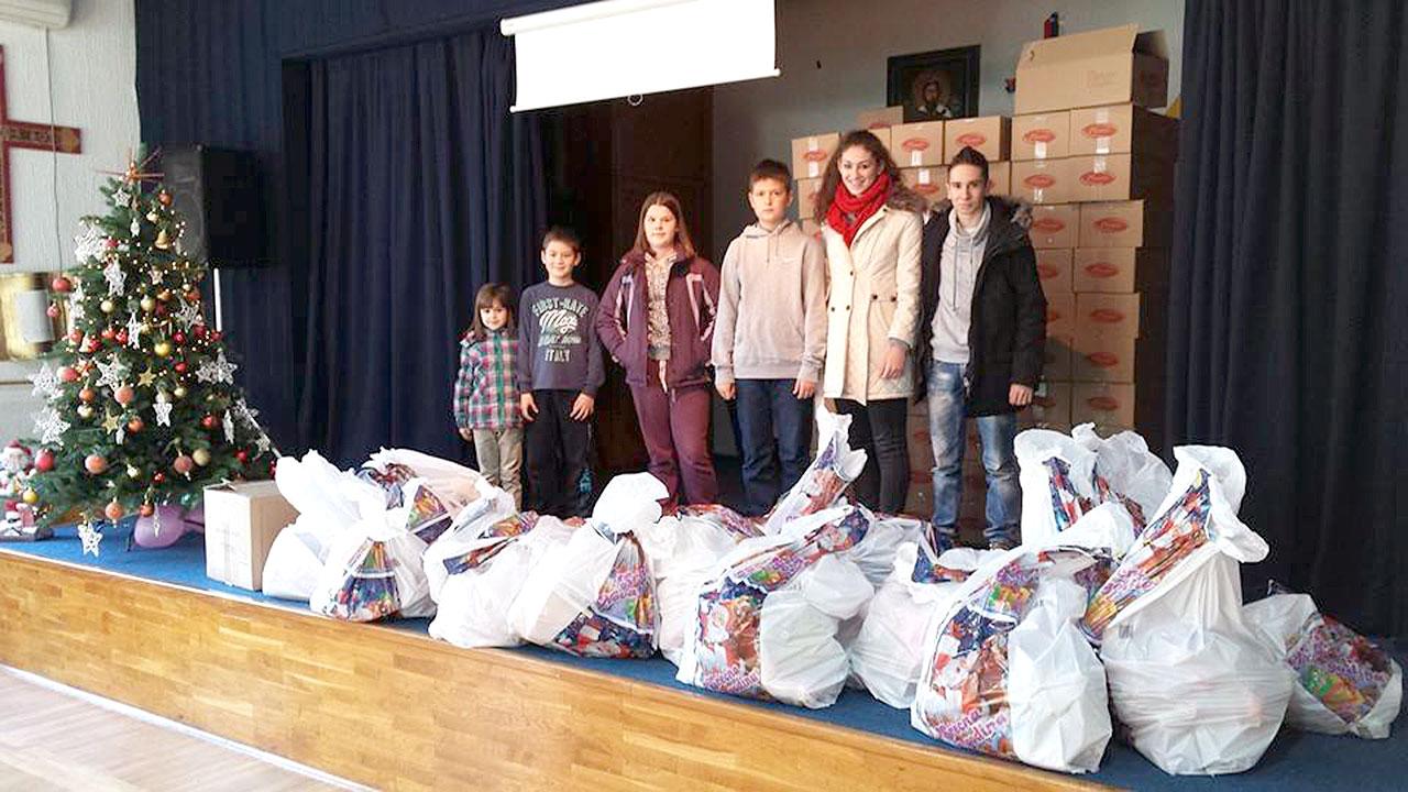 Champ 07 - Donacija novodisnjih paketica za Decje selo 02